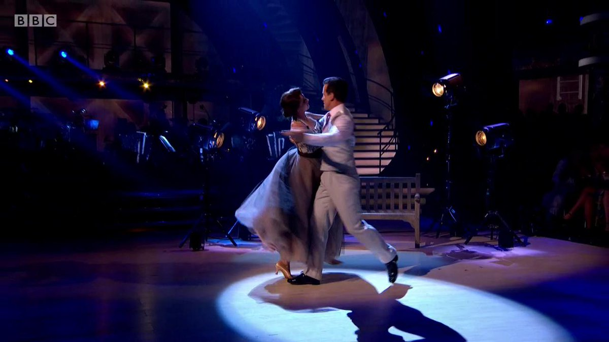 💖 Send in the Clowns... @EmmaBarton and @TheAntonDuBekes final dance is full to the brim with emotion. #StrictlyFinal