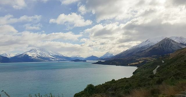 The beautiful road to Glenorchy #travelanddestinations #bestcitybreaks #living_destinations #bestvacations #travellingthroughtheworld #earthpix #beautifuldestinations #wonderful_places #discoverearth #passionpassport #travel… https://ift.tt/2rLjRLj pic.twitter.com/Fojl9Xqyb3