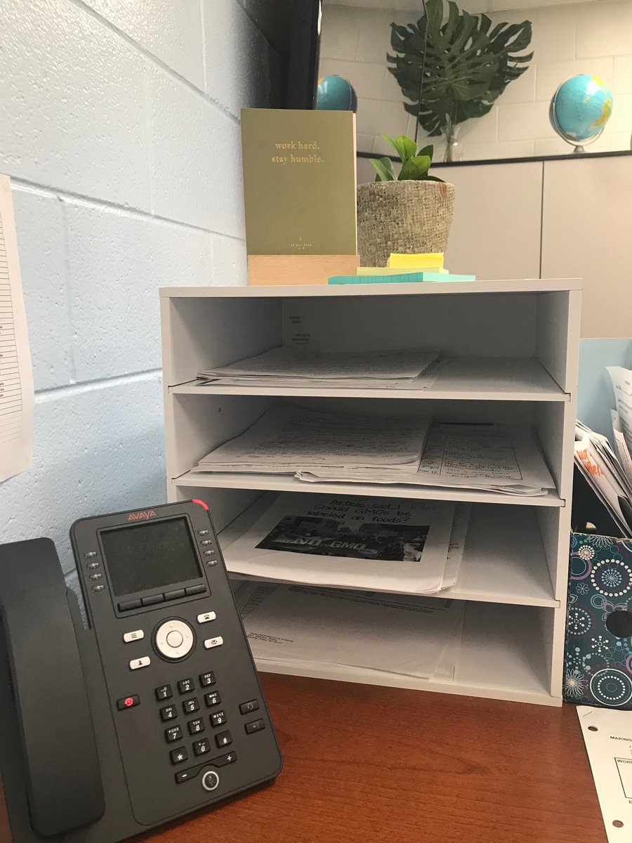 My classroom is all stocked and organized thanks to Michaels!! Love my new paper organizer, scissors, markers, and much more!!! @ConferenceUSA #MakeItWithMichaels #CFPExtraYardpic.twitter.com/mHu0YQx6mL