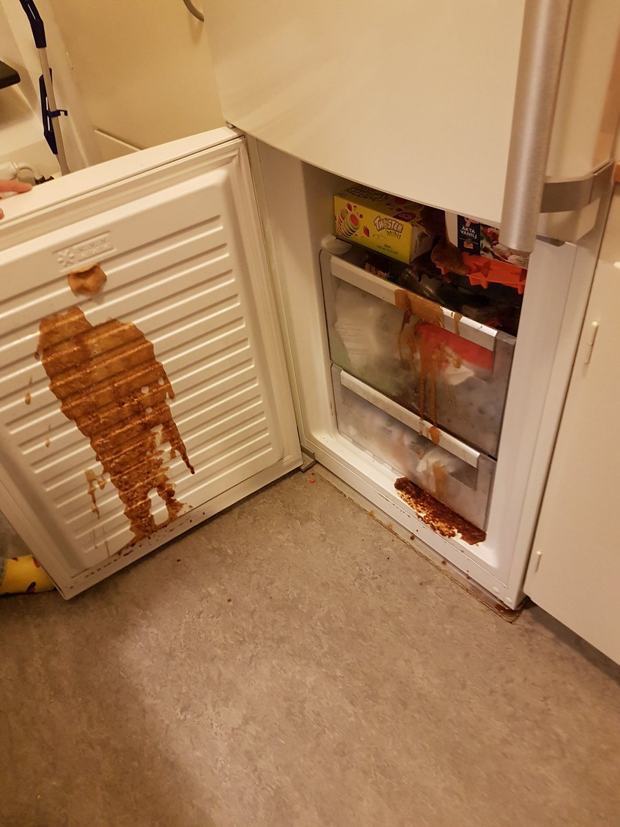 Bruh someone shit in my freezer  Fr fuck am I supposed to do?👀👃  #shitpost #DepressionFeelsLike #PartyOfYourDreams #mylifewasneverthesameafter