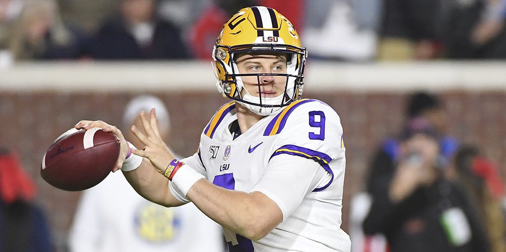 Congrats to the 2019 @HeismanTrophy winner, @LSUfootball's Joe Burrow!