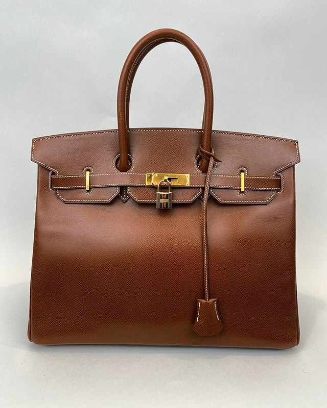 Coming soon #hermes #birkin this #birkinbag is #circa2003 it's condition is #great it still has the plastic protector on the hardware.  #luxurylifestyle as only the #hermesbirkin can offer. Should this bag be yours?  #fastshipping available!  DM your off… https://ift.tt/2rQAYLA pic.twitter.com/a3cNJQDfen