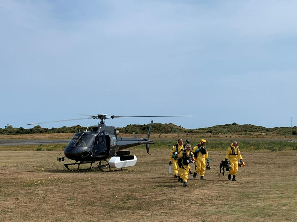 New Zealand recovery teams return to volcanic island, two remain missing; death toll rises to 16 https://reut.rs/2YN6iqE
