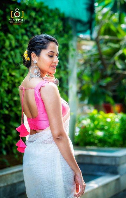 3 pic. For an opening in #Nidadavolu yesterday!! Wearing another Handloom Look by @Gauri_Naidu 🕊 #DrapeStories