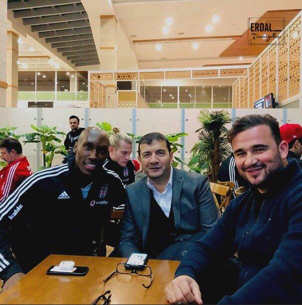 İyi aile babası, örnek futbolcu, gerçek bir profesyonel Atiba. #Besiktas https://t.co/meycfCijcC