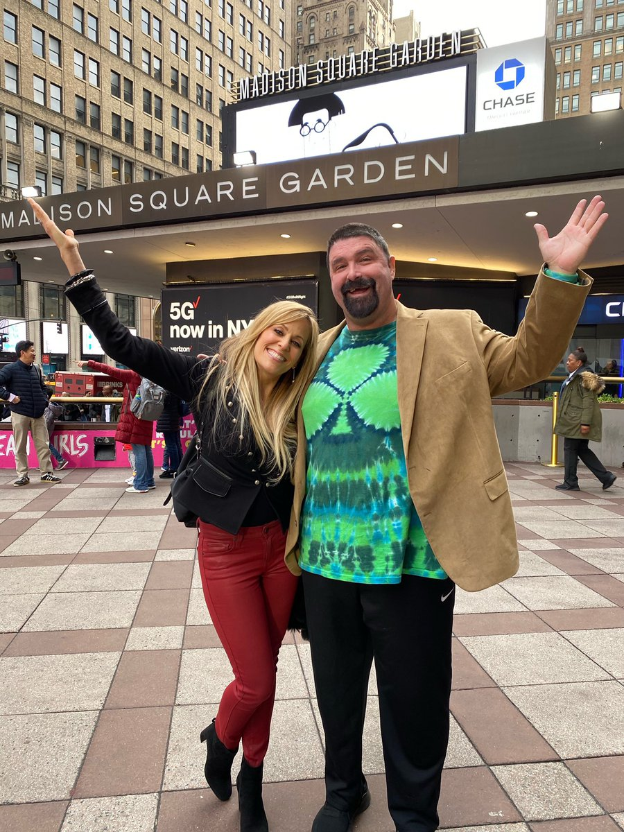 I'm back from Christmas break & in NYC 4 the @ProFightLeague Championship Fights New Year's Eve! 1st stop was Hosting today's Press Conference & having @RealMickFoley be part of sharing his love of the PFL & MMA sport!! Join us New Years Eve on @espn 2 - 7pmET from @TheGarden ! https://t.co/YdC9C4zLVc