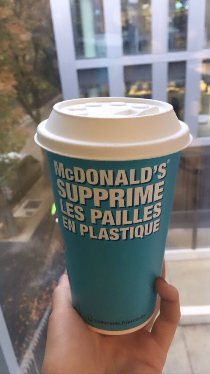 Did any of you try those new cups top at @McDonalds ? Do you like them ? I hate them it feel like we are eating cardboard, it change the all taste of the drink.