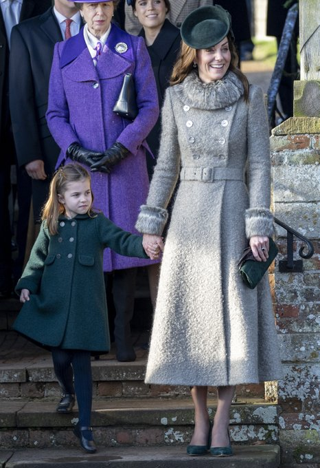 British Royal Family - Page 29 EM1dCunUcAAtxi_