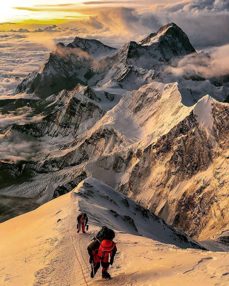 What if, you could go further than you've ever gone before?   #mounteverest #escapetheordinary #sherpas #nepaltrekking #mounteverestofficial #discovernepal #explorehimalayas #climbing_worldwide #himalayas #nepal   http://www.nepalguideinfo.com/everest-base-camp-trek/… Email:sanjibtrekguide@gmail.compic.twitter.com/MEiatGKIBX