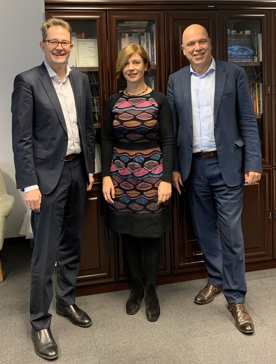 #IEAI signs letter of intent with @IEEEorg about cooperation on #AIEthics and engineering education. Clara Neppel and Konstantinos Karachalios from @IEEESA with @chluetge. #humancenteredengineering  @johnchavens @TU_Muenchen https://t.co/q6AXSwGfEb