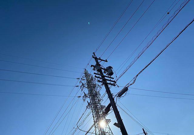 #今日もいい天気 〜 .  #太陽 #sun #イマソラ #いまそら #ノンフィルター #ノーフィルター #青空 #あおぞら #bluesky #空 #そら #sky #電線 #electricwire #electricwires #鉄塔 #steeltower #pylon #電柱 #utilitypole