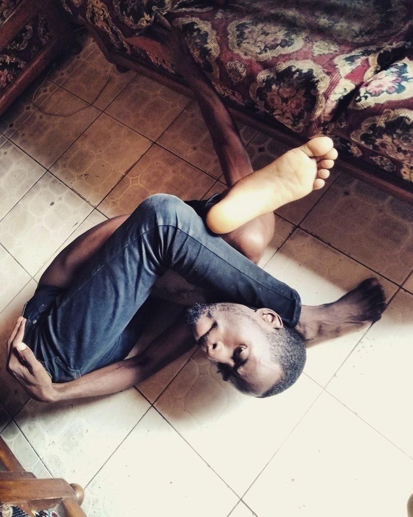 La souplesse c'est de l'art quand tu maîtrise ton corps  #followme #flexibility #yoga #yogi #accrobatie #Bonebreaking #oversplit #contortionist #contortions #art #gymnast #Gabon  #incroyable #talent #circus #gymnastics #gym #flexibilitynation #flexibilidade #wowpic.twitter.com/Dy8V9uU0qD