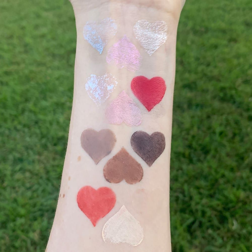 Enchant your face with the @ritueldefille Inner Glow Creme Pigments! See how I love to wear them. https://buff.ly/2SnHvZi #indiemakeup #makeupswatches pic.twitter.com/R73jjLm0ur