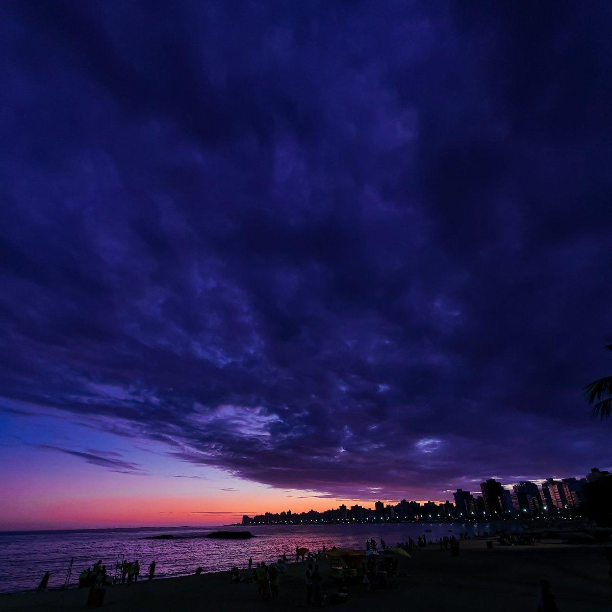 ÚLTIMO SÁBADO DE 2019! VEEEEM  #praiadacosta #sunrisepic.twitter.com/RtB9E0U5mU