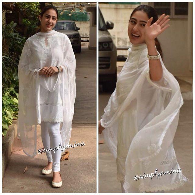 Liking the simple outfit @saraalikhan95 spotted heading to a dubbing studio in Bombay  Follow @simplyaminaxx  . . . #SaraAliKhan #Actress #Bollywood #WhiteOutfit #Simply #Beautiful #IndianFashion #StyleDiaries #Movies #Mumbai #SimplyAmina https://ift.tt/2EZ35vgpic.twitter.com/qi55earAsv