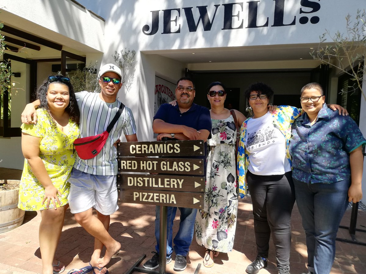 Today was such a perfect day with my family. A lekker day trip to Paarl to visit one of their newer eateries - Jewell's restaurant at @SpiceRoutePaarl, a late afternoon swim and laughs and now the LFC game! #MyPerfectDay #SundayFunday #Summer2019pic.twitter.com/G6jCyJ05Ke