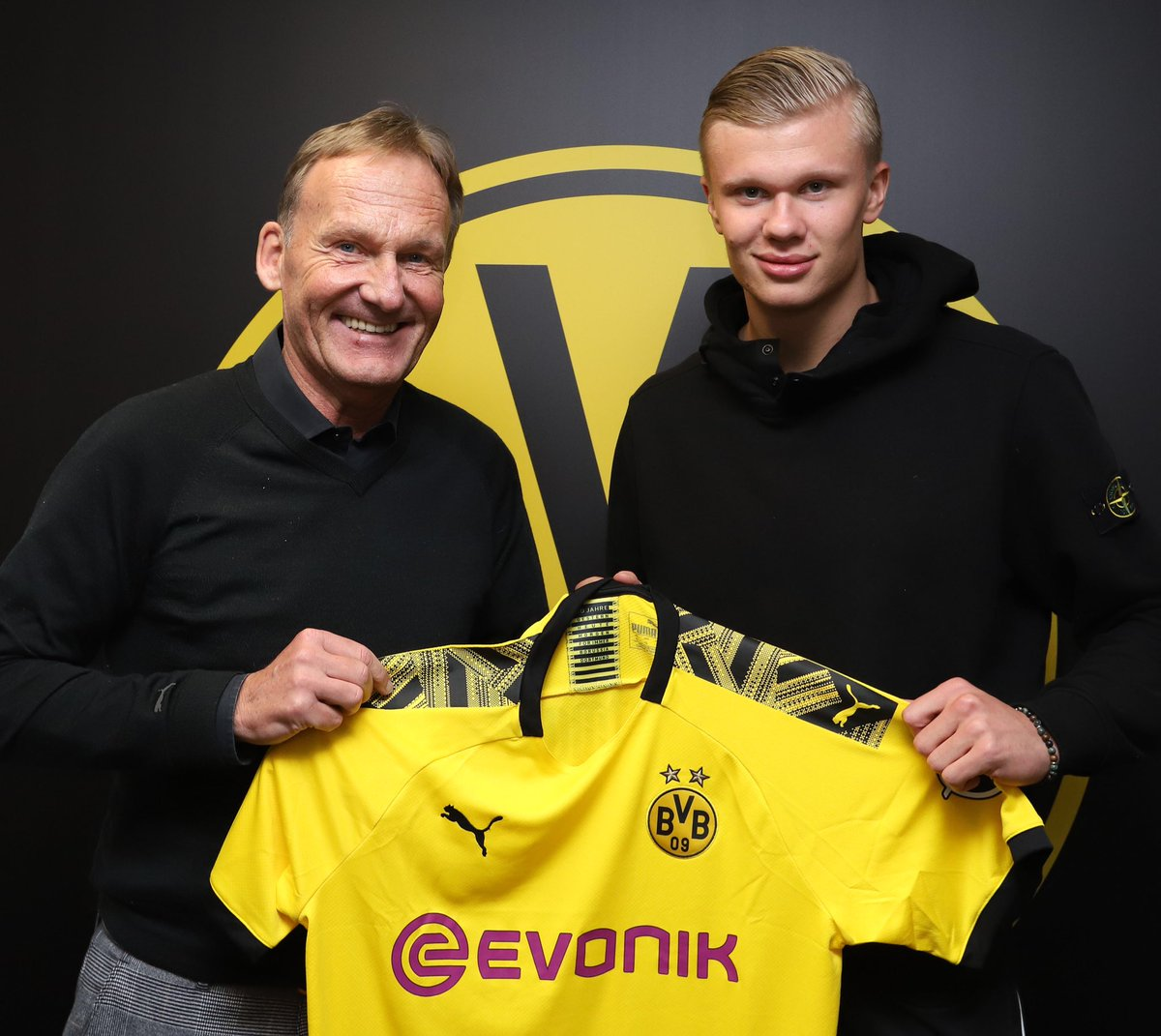 Borussia Dortmund Confirms Haaland Signing From RB Salzburg