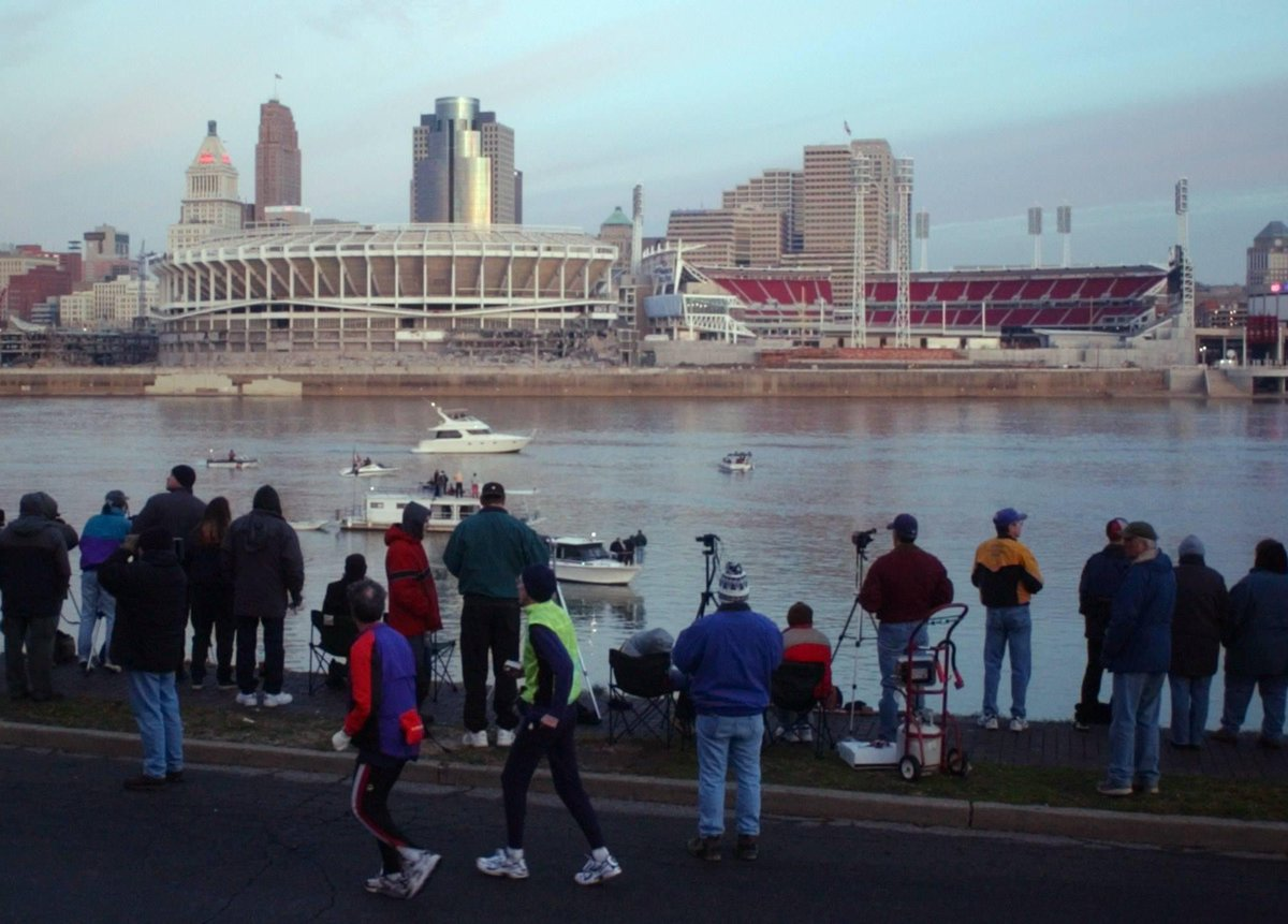 December 29, 2002: Riverfront Stadium is demolished in front of more than 25,000 spectators in just 37 seconds. #RedsVault