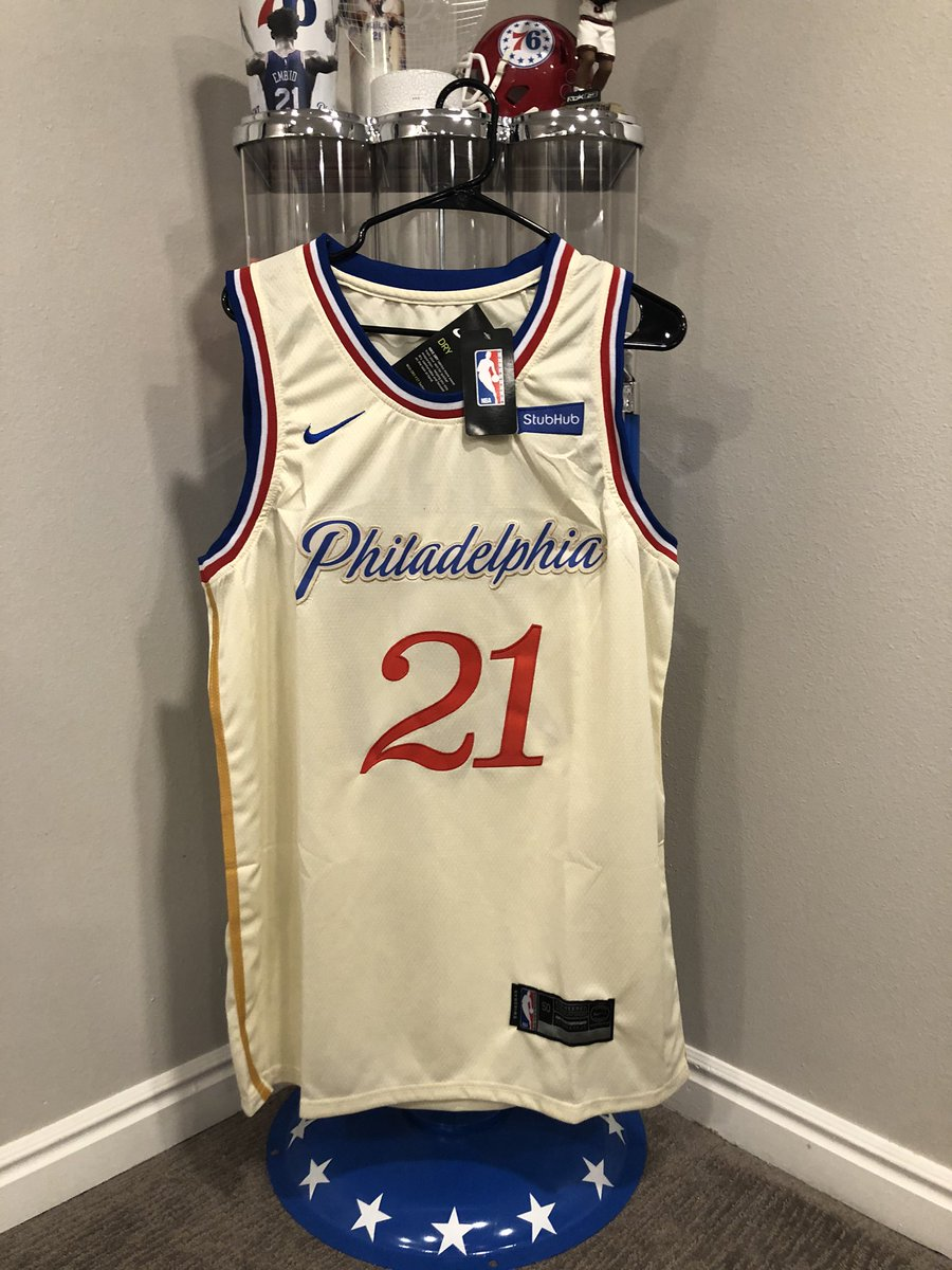 HAPPY HOLIDAYS!!!! GIVEAWAY TIME!!!!  Today's prize:  - New Nike 2019-2020 City Edition Joel Embiid jersey  All you gotta do:  - Retweet, follow & tag 3 friends  Winner will be selected tomorrow @ halftime. Good luck! Merry Christmas & Go Sixers! https://t.co/1F2ILGwVbE