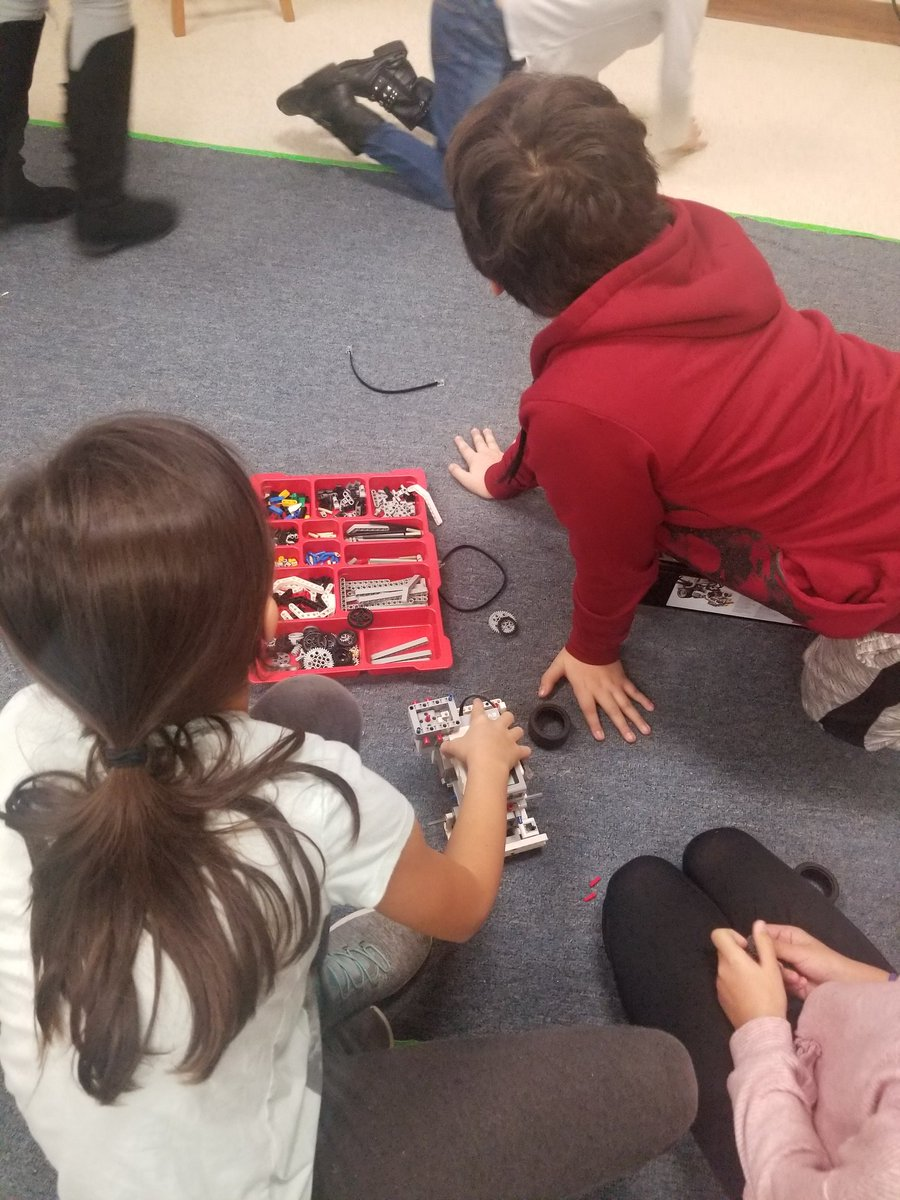 Ss on our FLL team work on building our EV3 robot. <a target='_blank' href='http://search.twitter.com/search?q=HFBTweets'><a target='_blank' href='https://twitter.com/hashtag/HFBTweets?src=hash'>#HFBTweets</a></a> <a target='_blank' href='http://twitter.com/HFBAllStars'>@HFBAllStars</a> <a target='_blank' href='http://twitter.com/APS_STEM'>@APS_STEM</a> <a target='_blank' href='http://search.twitter.com/search?q=APSisAwesome'><a target='_blank' href='https://twitter.com/hashtag/APSisAwesome?src=hash'>#APSisAwesome</a></a> <a target='_blank' href='https://t.co/GuIoij9nJk'>https://t.co/GuIoij9nJk</a>