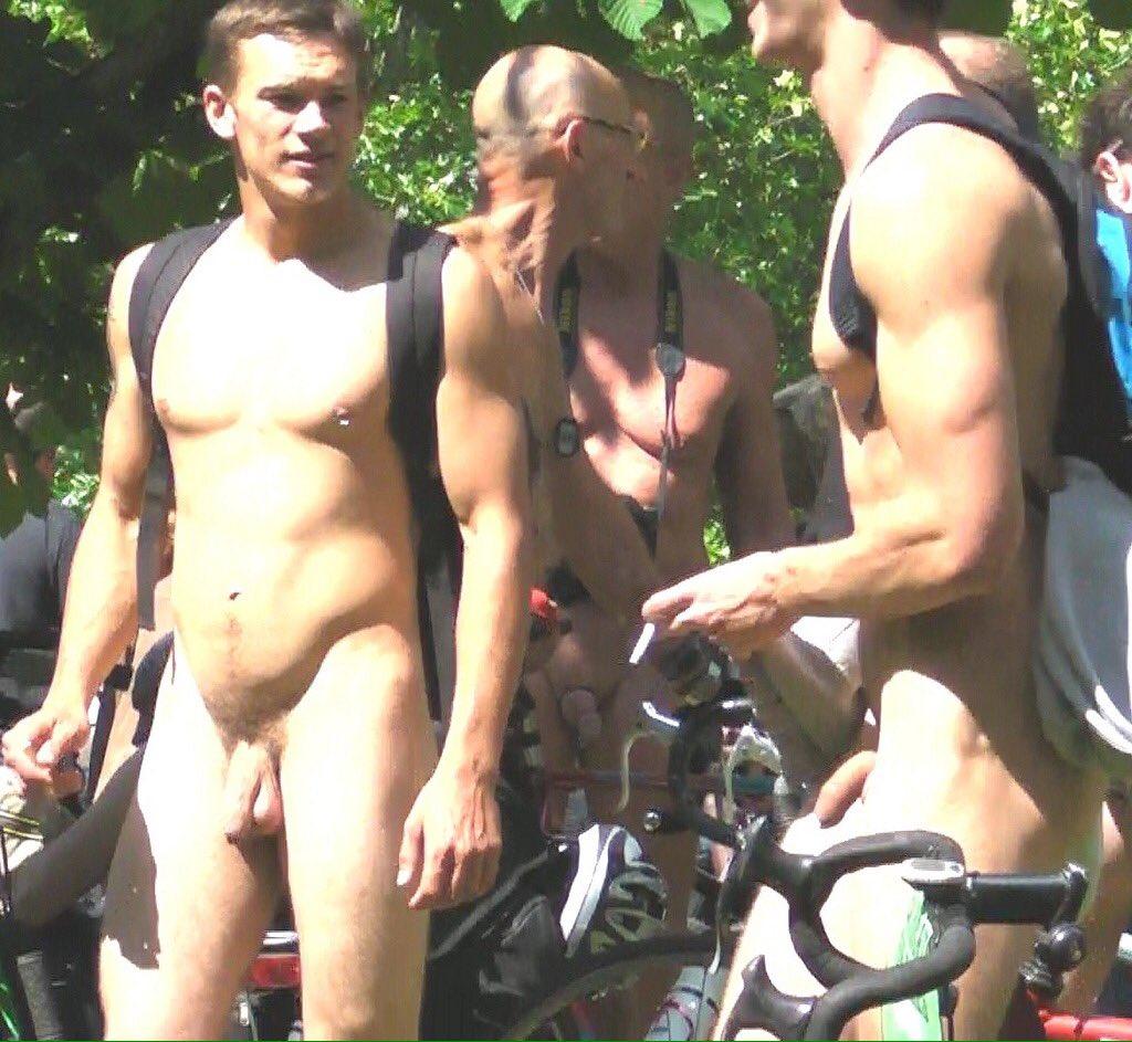 Sam's naked male body ebook por johnny dough
