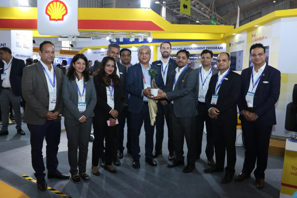 'Less Downtime, More Go Time' is a goal we share with the construction sector. It's also a powerful call to action for Shell R&D, as demonstrated at #EXCON2019, where we showcased our tech-forward services & flagship products to our esteemed OEM partners. https://t.co/l8Q3wxPpar https://t.co/BMkZRLfKDe