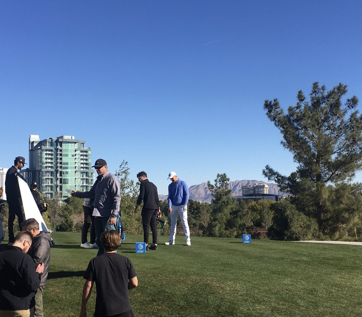 Little behind the scenes from the shoot today w/ @att in Vegas. Lot of exciting things for 2020! #attathlete https://t.co/ypUOxHFuBe