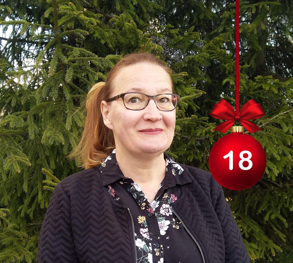 #HELYnteri luukku 18: Minkä viraston johtaja on kuvassa hymyilevä Eija Mannisenmäki?   A) Hämeen työvoimatoimiston johtaja  B) Hämeen TE-keskuksen johtaja  C) Hämeen työ- ja elinkeinotoimiston (TE-toimiston) johtaja  @TEpalvelutHAM https://t.co/v0RV9aX7Xa