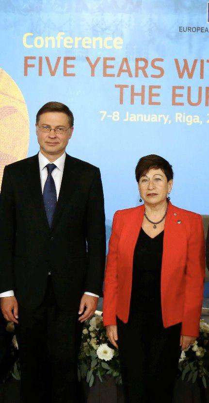 Apsveicu Innu Šteinbuku ar apstiprināšanu par @Fiskalapadome priekšsēdētāju. Esmu gandarīts par šo lēmumu, pazīstu viņu kā starptautiski pieredzējušu ekonomisti un 🇱🇻 patrioti. Turpināsim sadarbību, lai nodrošinātu Latvijas ekonomikas ilgspēju un celtu iedzīvotāju labklājību