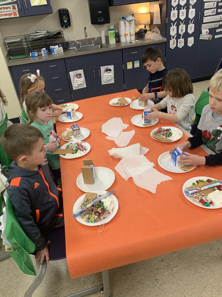 Kindergarten making Gingerbread Houses @NWElementary @LaurenpattNPSD @VictoriaHorrell @msplendido