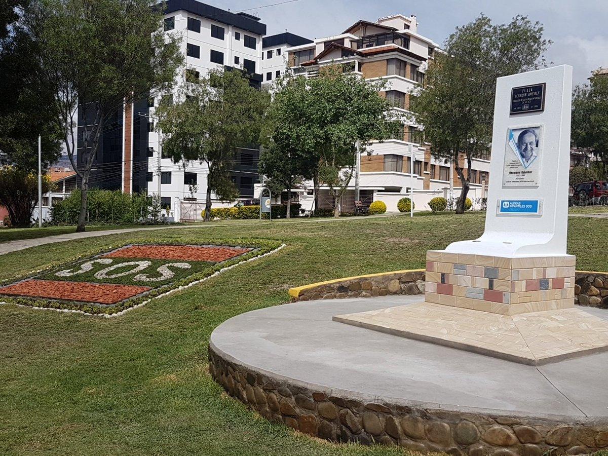 Hoy inauguramos las obras de la Plaza Hermann Gmeiner, nombre que recibe por el fundador de Aldeas Infantiles SOS #50años #CadaDíaUnaFamilia https://t.co/zazUZhmePo