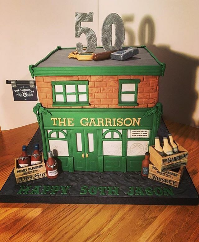 The perfect cake for @peakyblindersofficial fans. Great work from @bluebellcakedesign https://www.instagram.com/p/B6Nxx9bAjep/pic.twitter.com/hWyaBW1J9X