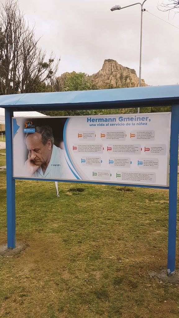#Hoy celebramos los #50años de Aldeas Infantiles SOS en Bolivia. Con la inauguración de obras de la Plaza Hermann Gmeiner. @LaPazAlcaldia https://t.co/FBv9ZXEcm9