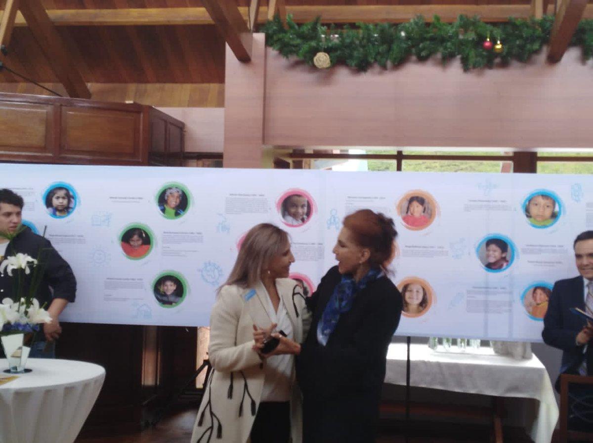 Fabiola Flores,Directora de Aldeas Infantiles SOS Internacional para América Latina realiza un reconocimiento a la Junta Directiva Nacional. https://t.co/q8xUkQ4W5P