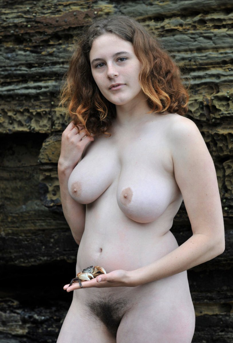 Eleanor Tomlinson Nude Photos & Pics 2020