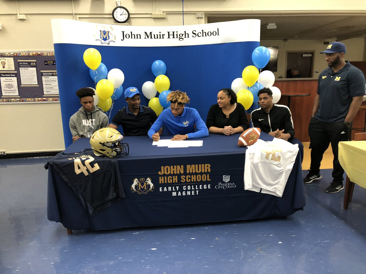 Congratulations @johnhumphrey023 for signing with @UCLA Football. Stang Nation is proud of you. We look forward to seeing you on the football field playing for the Bruins. @PasadenaUnified @pusdmagnets