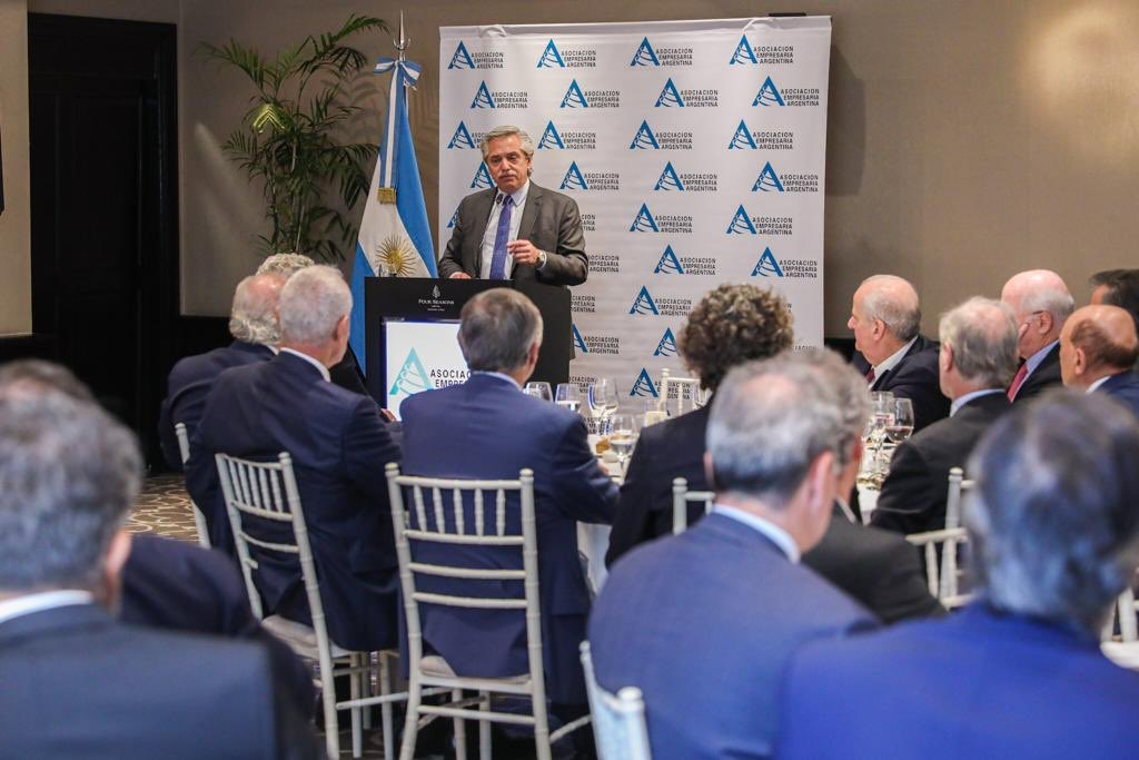 """Alberto Fernández on Twitter: """"Tenemos una situación fiscal muy compleja y  necesitamos de todos, por eso pedimos un mayor esfuerzo a los empresarios y  al agro. Agradezco a la Asociación Empresaria Argentina ("""