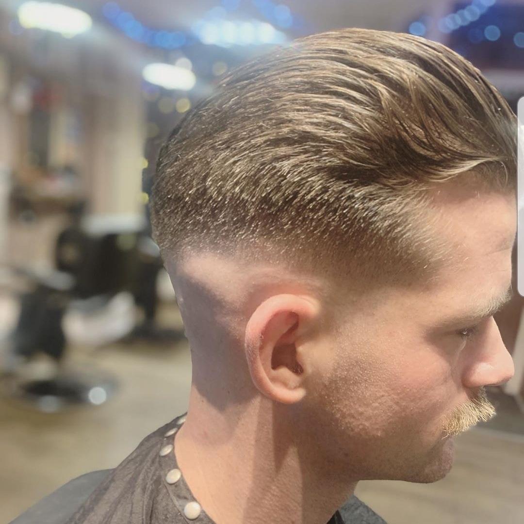 One of Chloe's skin fades from today.  #barber #barbershop #barberboss #barbershave #Barberconnect #barbernation #barberlove #Barberette #Southamptonbarber #TottonBarber #skin #skingade #grooming #MensHealth #mensgrooming #bestbarbershop pic.twitter.com/SLSx49Lu6F