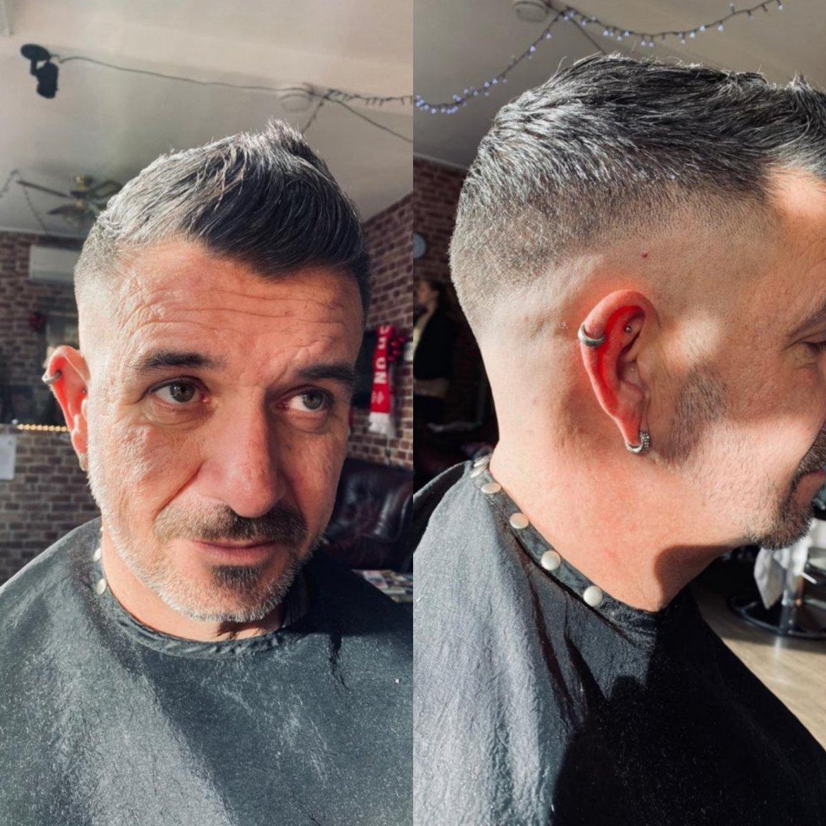 One of Jane's skin fades from Saturday  #barber #barbershop #barberboss #barbershave #Barberconnect #barbernation #barberlove #Barberette #Southamptonbarber #TottonBarber #skin #skingade #grooming #MensHealth #mensgrooming #bestbarbershop pic.twitter.com/LIDFWfI4tB