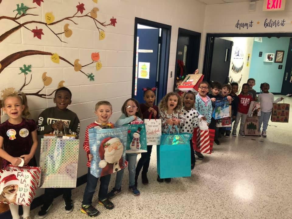 Kilby Shores Elementary (@KSEsharks) on Twitter photo 19/12/2019 02:42:29