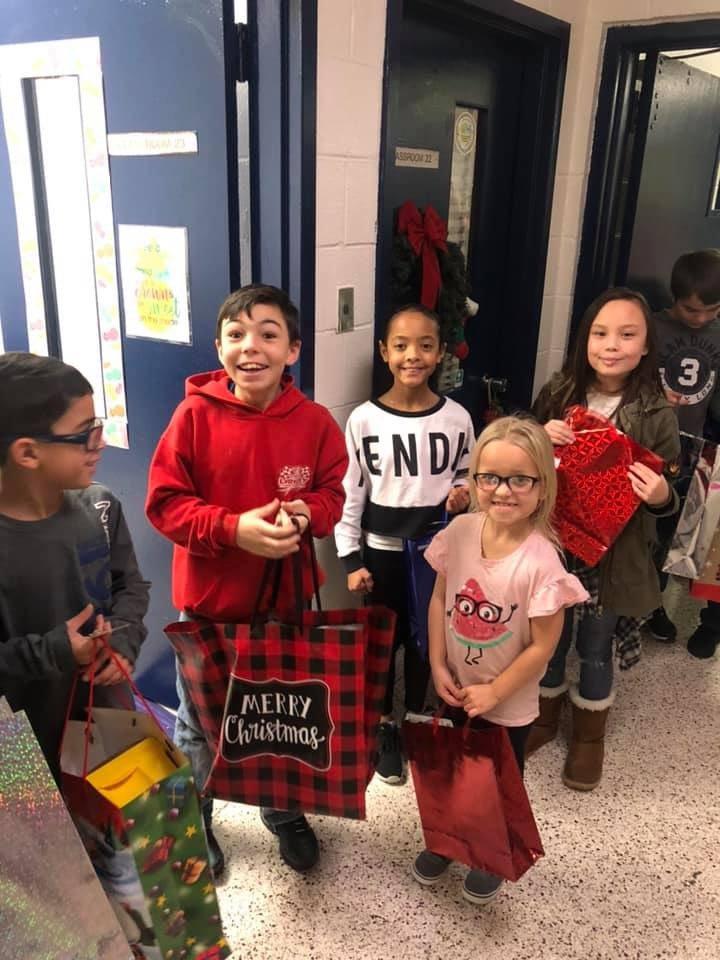 Kilby Shores Elementary (@KSEsharks) on Twitter photo 19/12/2019 02:42:41