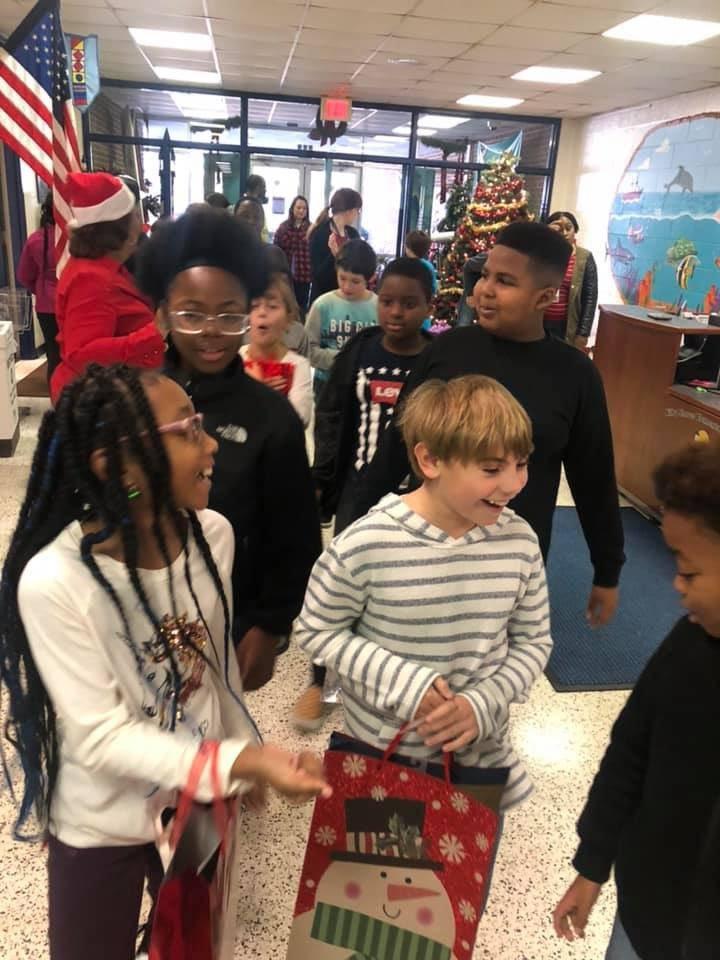 Kilby Shores Elementary (@KSEsharks) on Twitter photo 19/12/2019 02:42:48