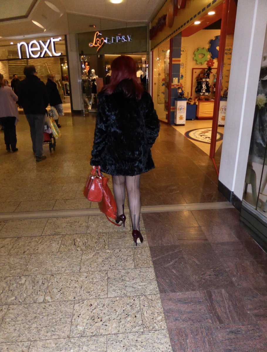 mature women in seamed stockings