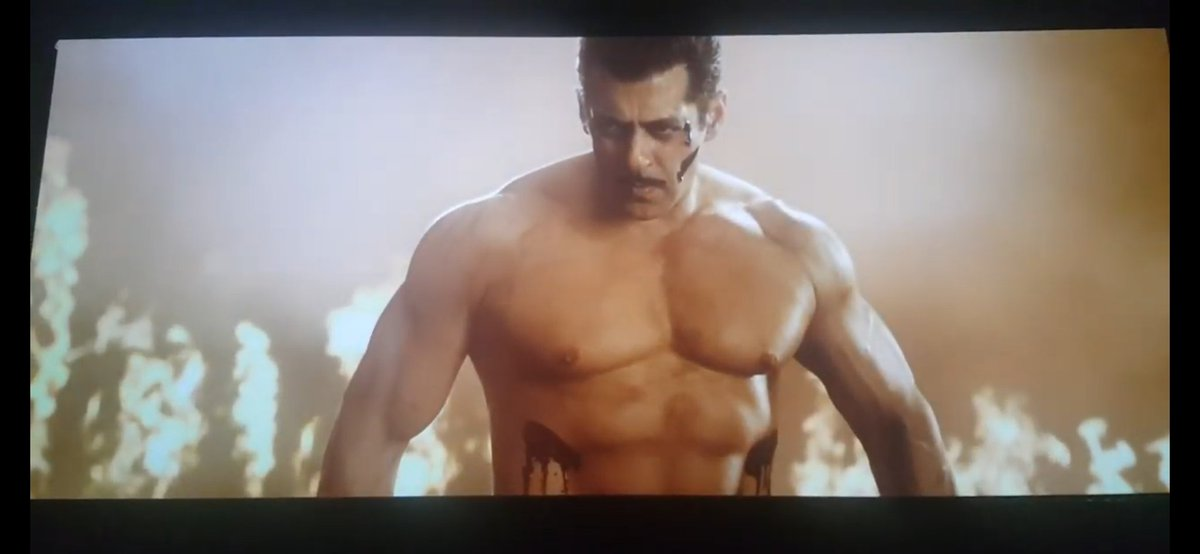 #Dabangg3 is the most satisfying Mass film of recent times and who better than #SalmanKhan to play bubbly guy turn desi hulk.There's a lot in the film to support rape & acid victims to water conservation in remote areas.  ⭐⭐⭐⚡ 3.5/5 #Dabangg3Review