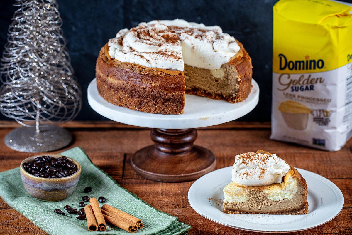 Leave Santa a little more than cookies this year!🎅🏼 Try a creamy cheesecake with espresso flavor, marbled with delicious vanilla batter and graham cracker crust. Sweetened by @Dominosugar and guaranteed to get him through Christmas Eve. https://t.co/jnnQtprM2f https://t.co/c0mcnrn373