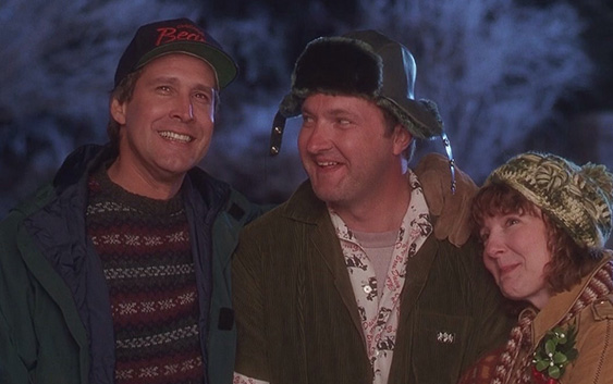 "National Lampoon's Christmas Vacation (1989) review by @bradderzz98  Chevy Chase stars in the #NationalLampoons film written by #JohnHughes - #ChristmasVacation described as ""highly entertaining farce"" at the link...  https://wp.me/p5MQEo-4ta pic.twitter.com/HJrRwHhKQF"