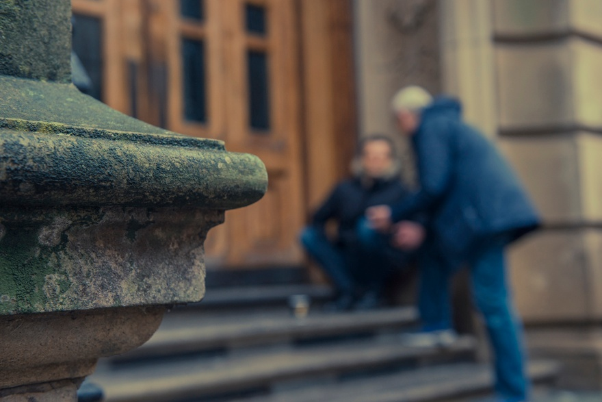 Concerned about someone sleeping rough? Contact @Tell_StreetLink socsi.in/ci7ld alerts are sent to local outreach teams to find and support rough sleepers. Read about our severe weather provision for #roughsleepers socsi.in/SEm3h
