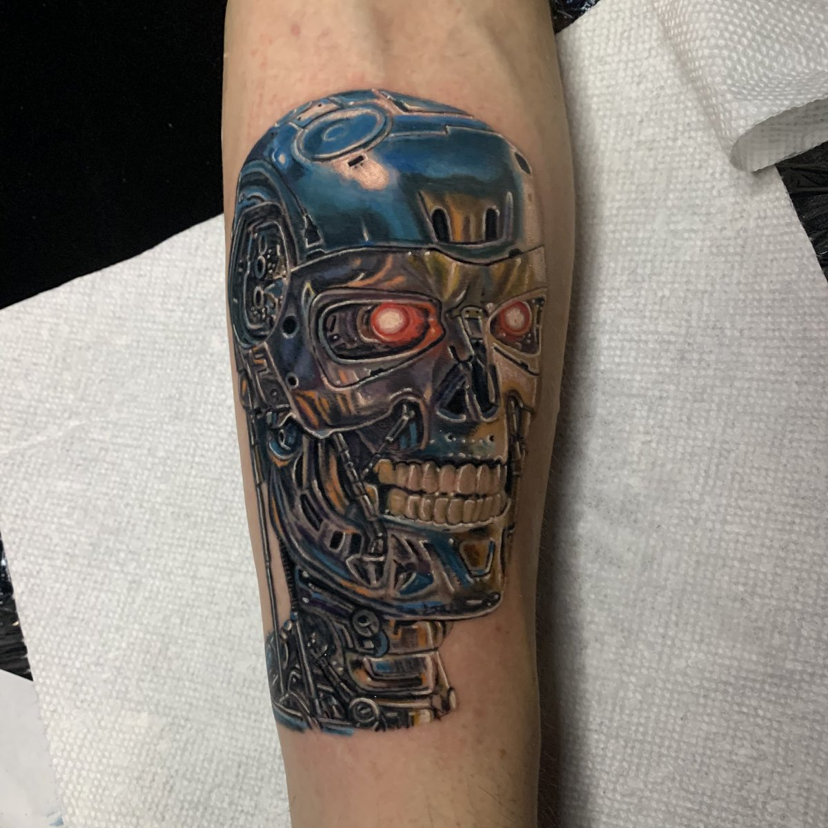 #Geek 🤓 Awesome of the Day: '#Terminator' Forearm Piece by #Tattoo Artist @natebeavers13 #SamaTattoo #SamaGeek