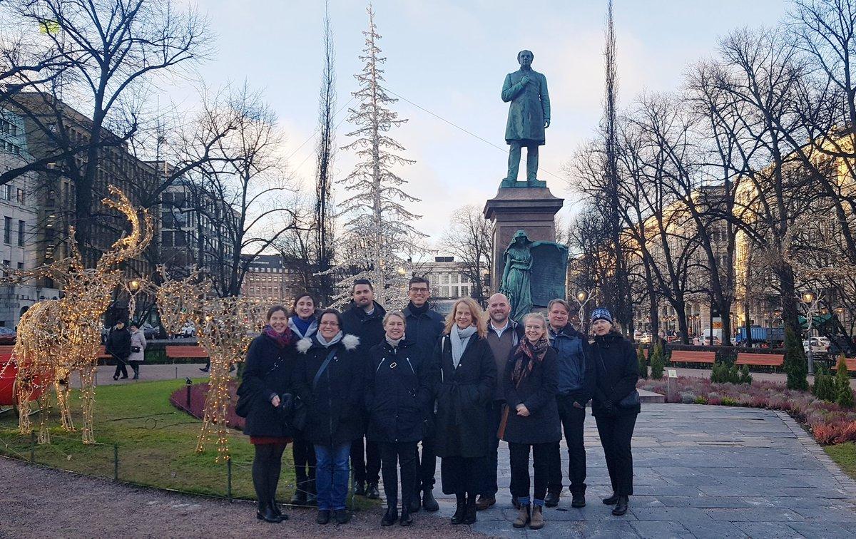 Visions #arctiques éclairées par un aperçu de la lumière du☀️. Ravis d'accueillir nos collègues des missions du Canada en Scandinavie pour discuter de nos meilleures pratiques 🌍