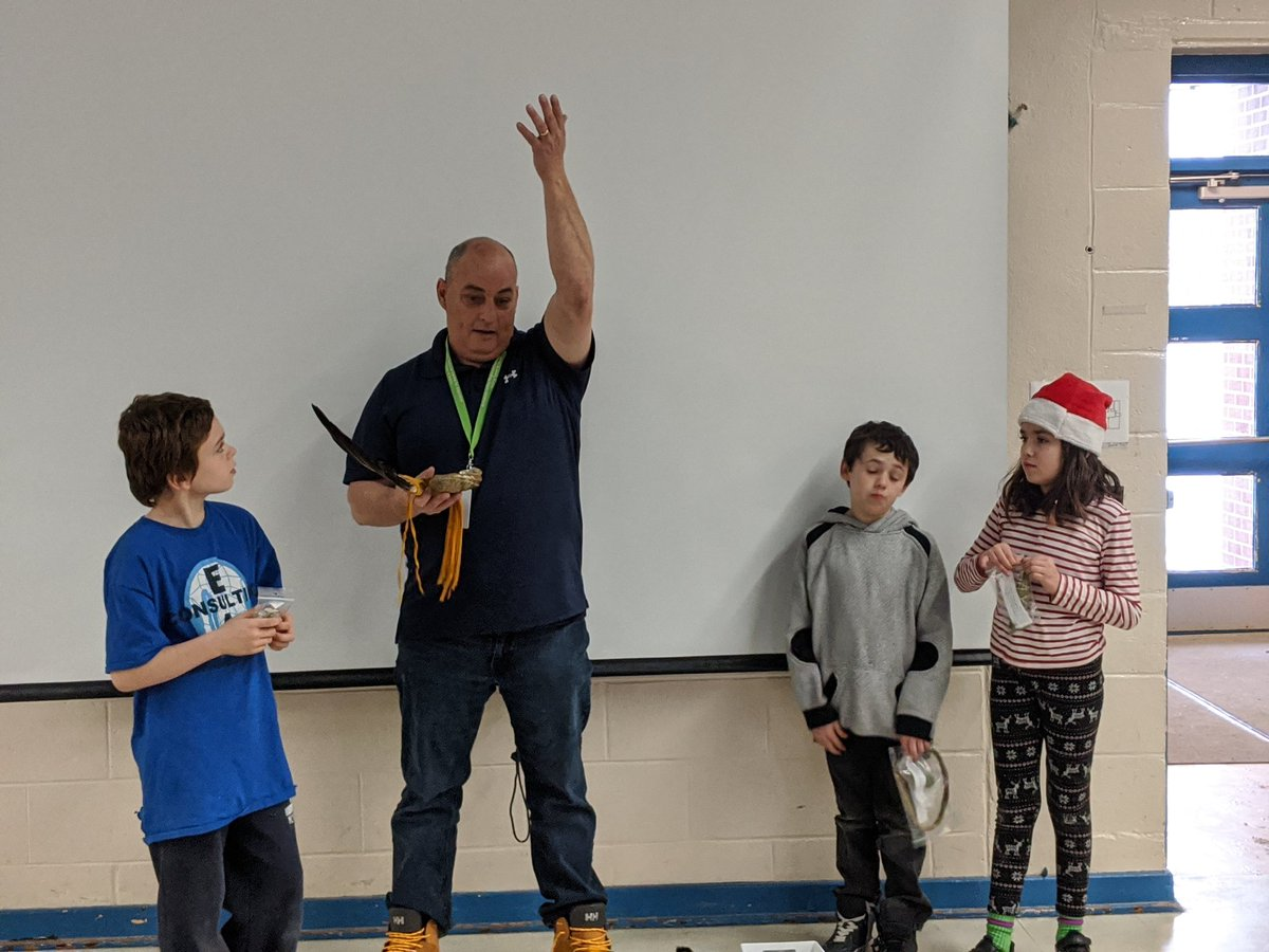 @WindsorForks started our assembly with a presentation from our native student advisor and we learned about smudging and we ended it with a holiday sing along dance party! We sure know how to spread some holiday cheer! #dancetrain #schoolcommunity #HolidayCheer #holidayspirit https://t.co/lEQsQPIjYa